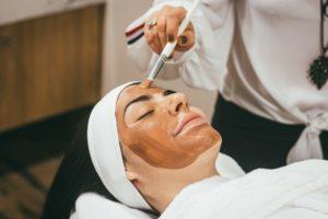 Rejuvenecimiento facial con peeling
